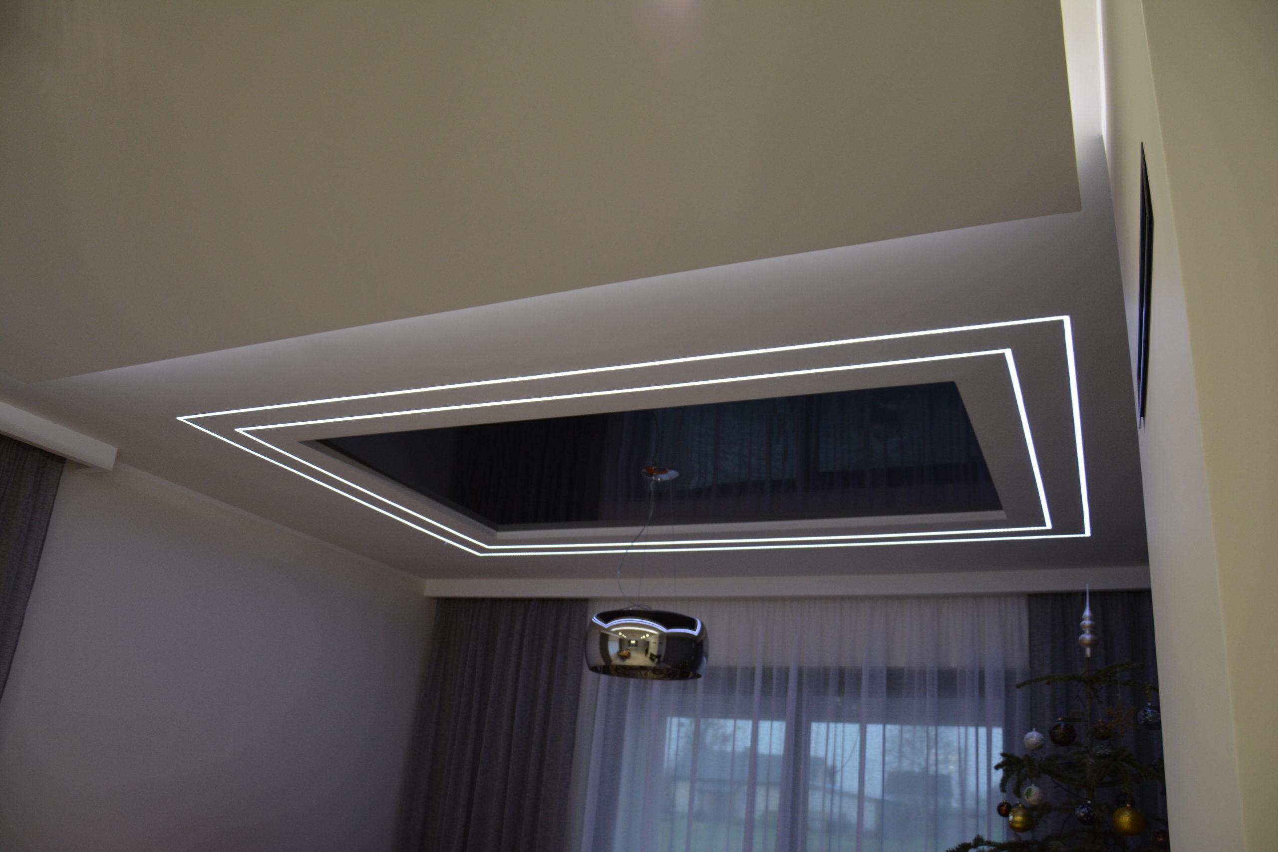 Sufit napinany z oświetleniem LED